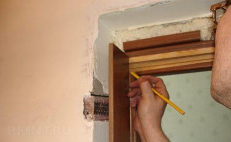 Монтаж дверей межкомнатных из МДФ, массив,шпон-экошпон и др.